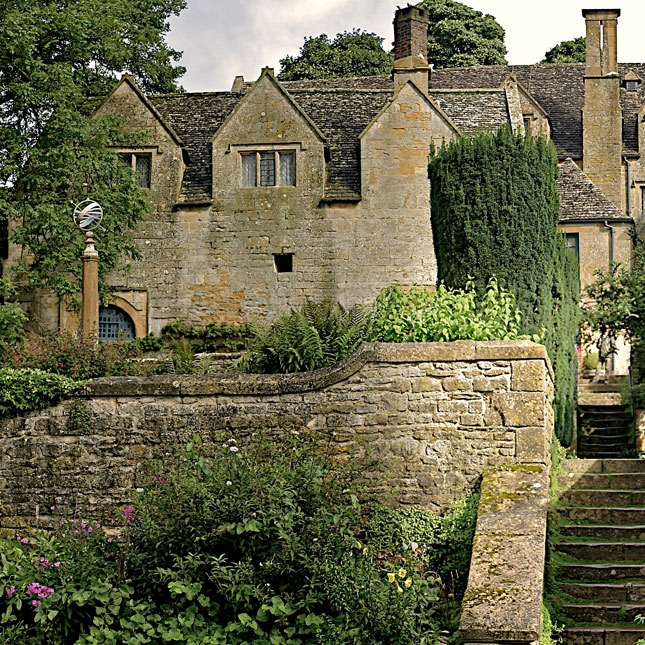 Burford-Local-Attraction-tile-SnowsHill