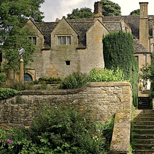 Burford-Local-Attraction-tile-SnowsHill-308x308