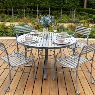 4-Seater Round Garden Dining Table Set