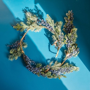 Frosted Blue Berries Garland