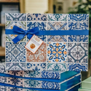 Gran Maiolica Selection Box