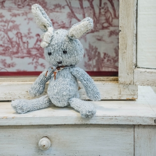 Kenana Knitters Small Ditsy Rabbit