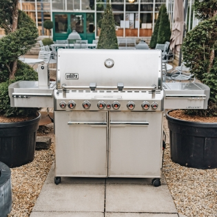 Summit S670 GBS Barbecue