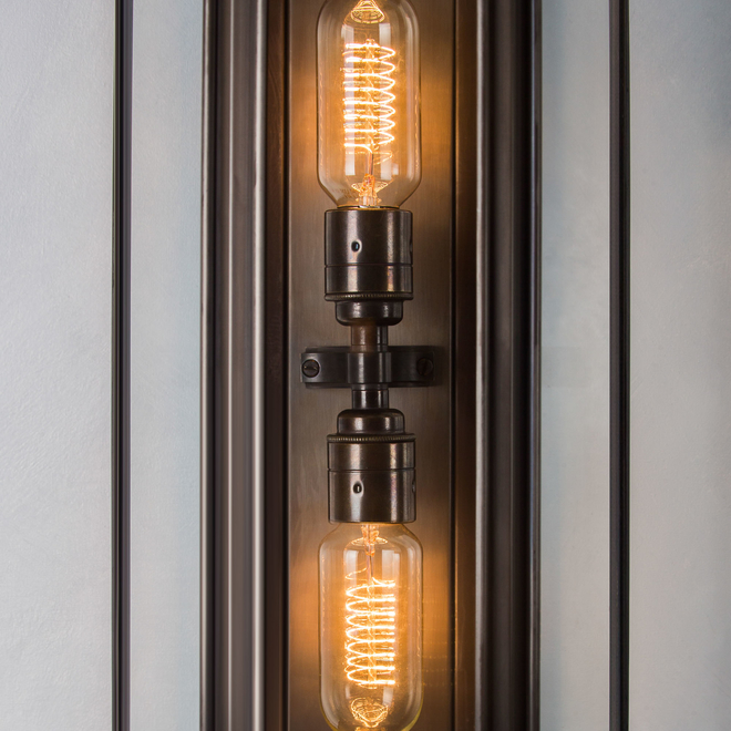 Oak Wall Light Bronze detail