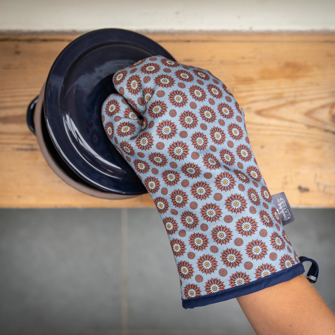 Cressida Bell for Burford Single Oven Gloves Red Daisy