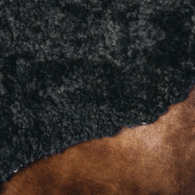 Gry Patchwork Shorthaired Sheepskin Rug Moro Brown detail