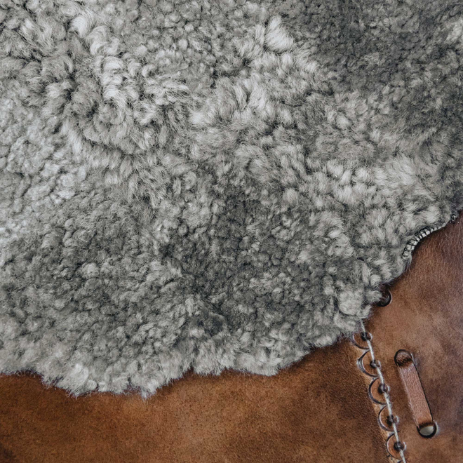 Gry Patchwork Shorthaired Sheepskin Rug Stone detail