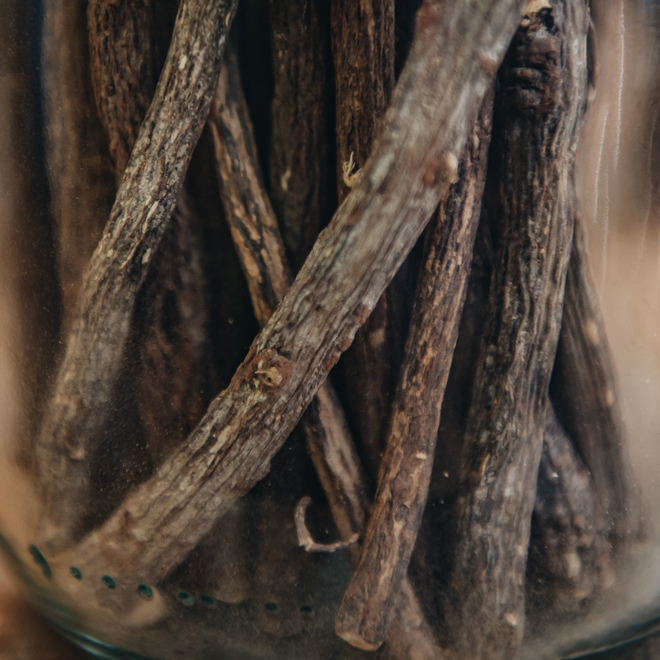 100% Epicés Gourmet Jars, Natural Liquorice Sticks (detail)