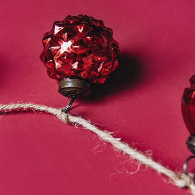 Red Glass Pinecone Bauble Garland