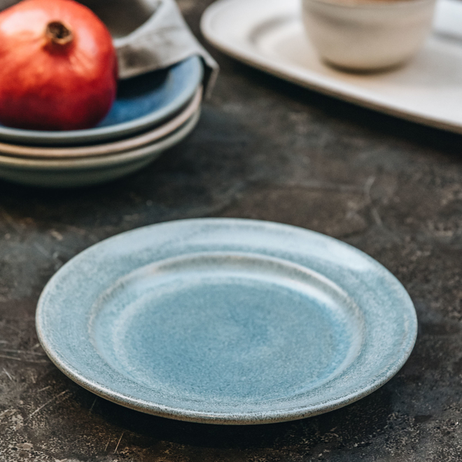 Stoneware Salad Plate, Light Blue