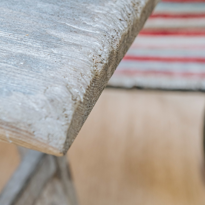 Clovelly Rustic Pine Bench top detail