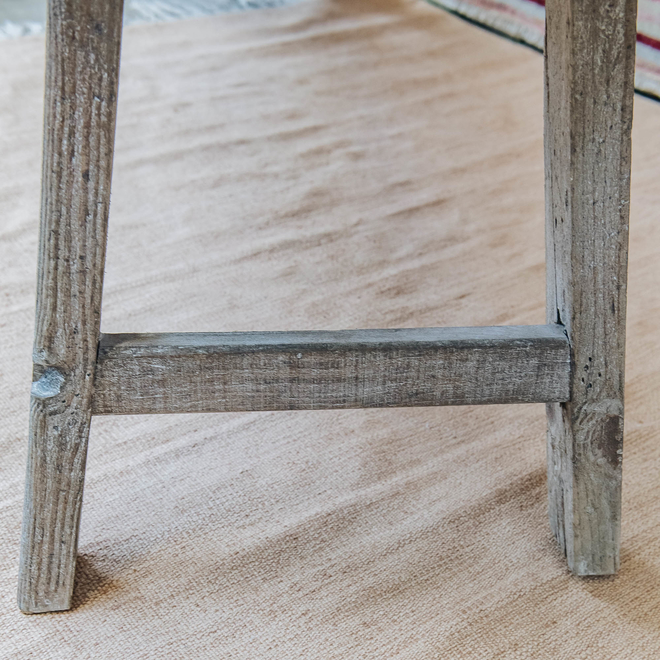 Clovelly Rustic Pine Bench side leg detail