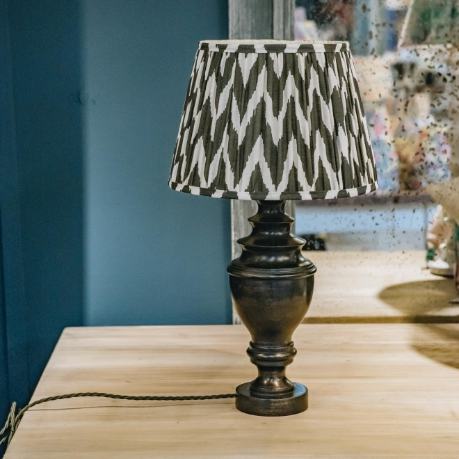 Pooky Draycott Table Lamp - Distressed White