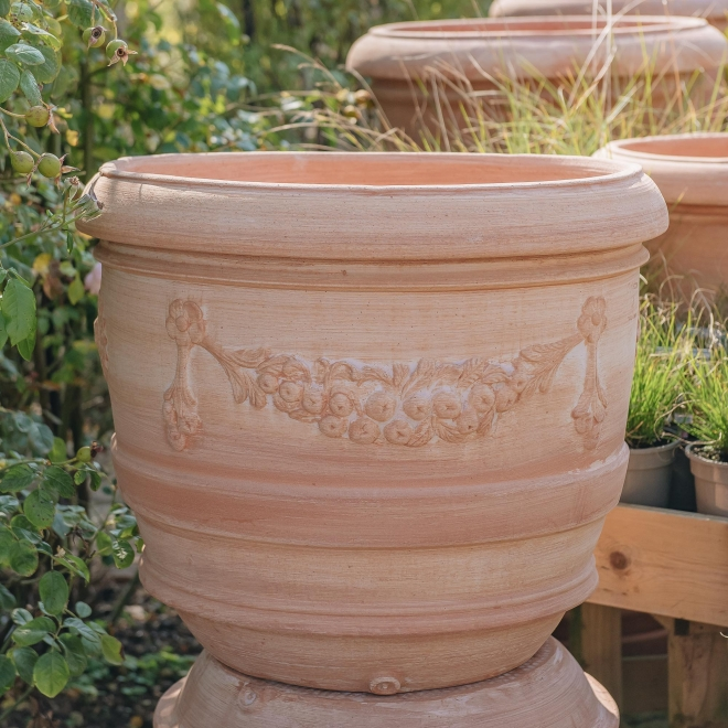 Terracotta Barrel Pot with Swag