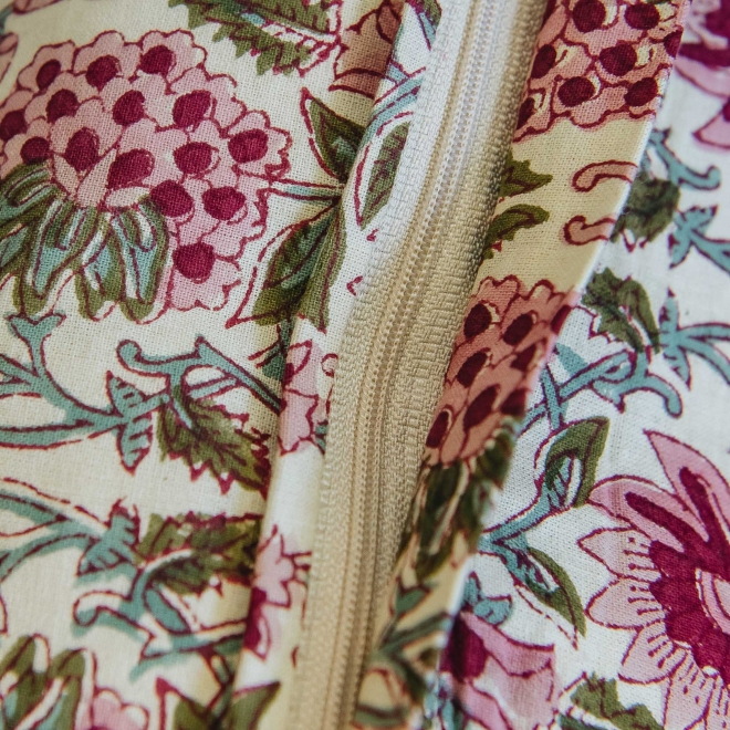 Deoli Salsa Cushion, detail of zip