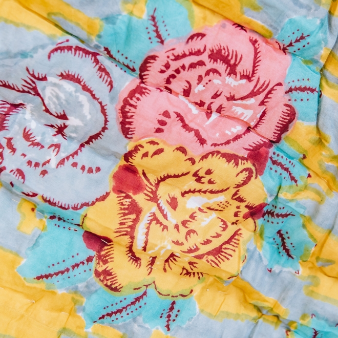 Paradise Garden Old Pink Quilt first side detail