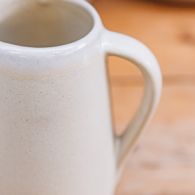 Aveiro Stoneware Small Jug - Cream, detail