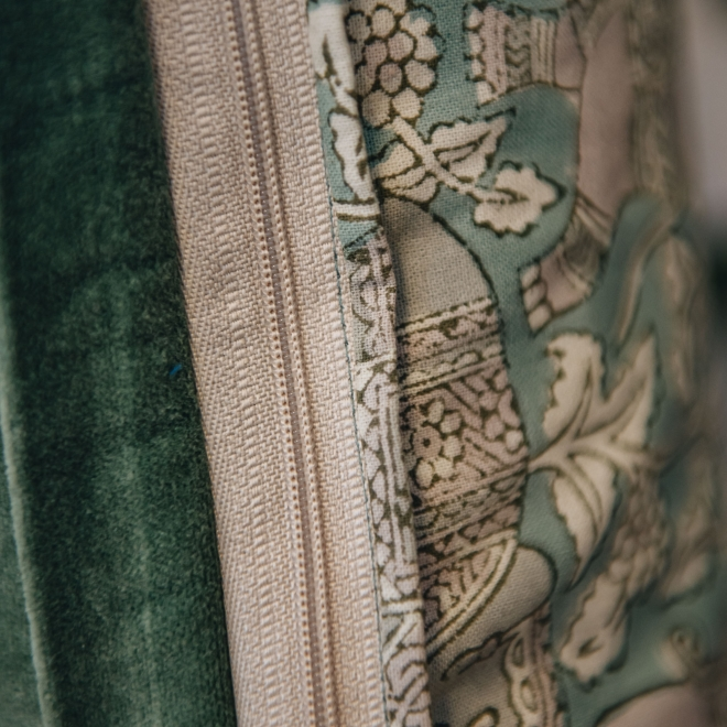 Haathi Ivy Cushion, detail of zip