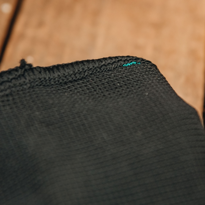 Ultimate Warmth Thermal Gloves in Black, detail