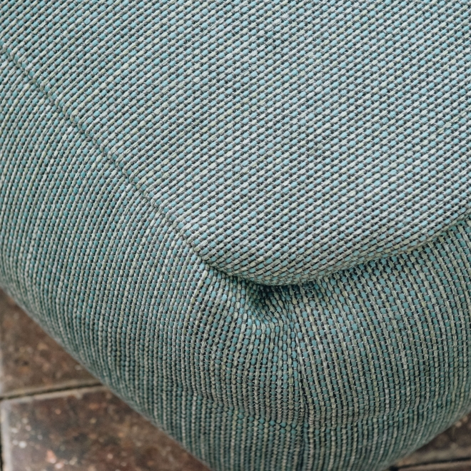 Dotty Pouf with Back in Turquoise - Detail