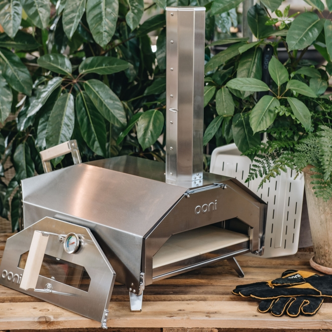 Pro 16 Pizza Oven with supplied oven gloves