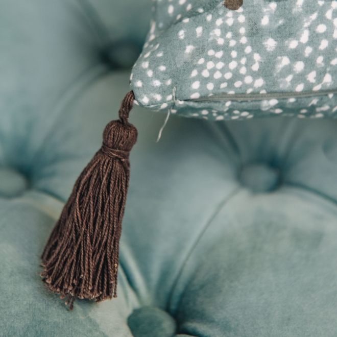 Star Cushion Lead - Tassel Detail