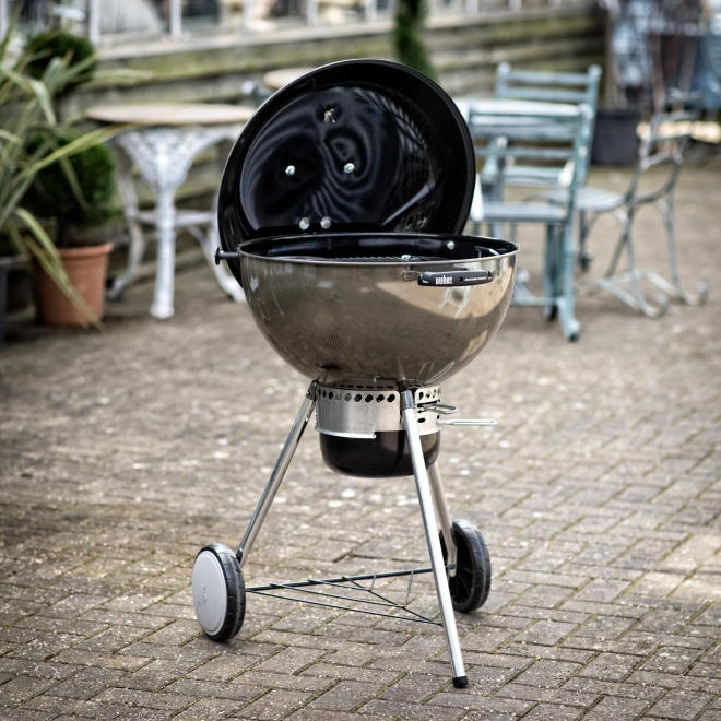 Smoke Grey Weber Master-Touch Barbecue