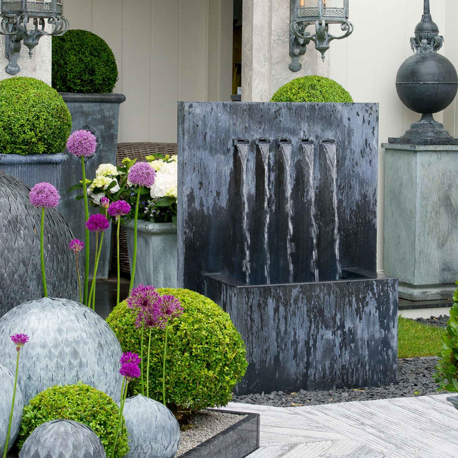 Veneto Zinc Water Feature – Large